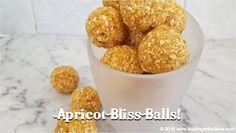 3 Ingredient Apricot Bliss Balls - Cooking with Plants Vegan Sweets, Vegan Snacks, Vegan Desserts, Vegan Recipes, Snack Recipes, Vegan Food, Plant Based Breakfast, Breakfast On The Go, Vegetarian Iron