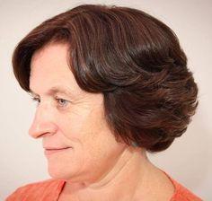 53 older womens short bob for wavy hair Short Hairstyles Over 50, Wavy Bob Hairstyles, Elegant Hairstyles, Hairstyles 2018, Haircut For Older Women, Bob Haircuts For Women, Older Women Hairstyles, Short Hair Cuts, Short Hair Styles
