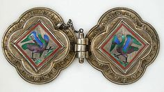 Agraffe (clasp) used to fasten a cloak or mantel. This exceptional example is in perfect condition. The birds in translucent enamel closely correspond to enamels created about 1300, that are now in the cathedral treasury of Cologne and that inspired the Cologne goldsmith Gabriel Hermeling.