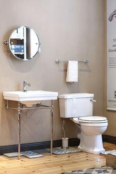 Klassiset kylpyhuonekalusteet meiltä! Tule tutustumaan Domus Classican Hattulan myymälään Toilet, Mirror, Bathroom, Store, Furniture, Home Decor, Washroom, Flush Toilet, Decoration Home
