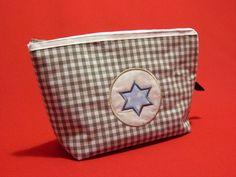 Schminktäschchen - Kosmetiktäschchen Stern - ein Designerstück von Taeschli-und-co bei DaWanda