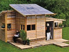 Pallet house by I-Beam Design (from p. 70 of Tiny Homes by Lloyd Kahn)