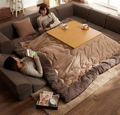 Modern Couch Bed Suggestions - Innovative, Room Conserving Services for Your Home - Our Bright Side Japanese Table, Japanese House, Japanese Inventions, Moderne Couch, Japanese Bedroom, Warm Bed, Couch Set, Home Remodeling, House Design