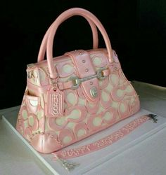 Coach purse cake! This is so cool it looks so real!