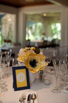 navy-and-yellow-wedding cute centerpiece idea