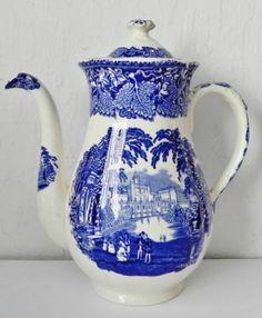 Antique-Vintage-Masons-Blue-White-Ironstone-Vista-Tea-Pot-Coffee-Pot
