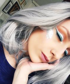 Do you want to try this grey short wig?see our sweet customer @marinelbars is wearing hershort grey wig.Do you want to try this wiggirls?wig sku:edw1051 Use Coupon Code:mom20 to get 20% Off on your order. www.everydaywigs.com #everydaywigs#shortwig#hairstyle#hairstyleforgirls#wavywig#ombrewig#shorthair#hairstyles#lacefrontwig#beauty#frontlacewig#greywigs#syntheticwigs#synthetic#beauty#instyle#2017hair
