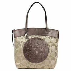 Coach signature bag Check out this product http://wkup.co/cash_back/NzkxODIwNDg4/MTExNjYwMA==