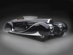 1939 Bugatti Type 57C by Vanvooren. Collection of Margie and Robert E. Petersen, Courtesy of the Petersen Automotive Museum, Los Angeles.