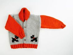 Childs Chunky Dog Jacket by Fran Morgan in Deramores Studio Chunky Baby Cardigan Knitting Pattern, Knitted Baby Cardigan, Toddler Sweater, Chunky Knitting Patterns, Christmas Knitting Patterns, Sweater Patterns, Baby Patterns, All Free Knitting, Baby Knitting
