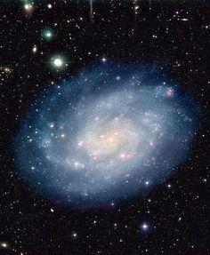 Universo Mágico: Galaxia espiral NGC 300 y cien mil más