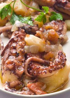 Espadarte na Cataplana Octopus Recipes, Fish Recipes, Seafood Recipes, Fish Dishes, Seafood Dishes, Easy Cooking, Cooking Recipes, Portuguese Recipes, Portuguese Food