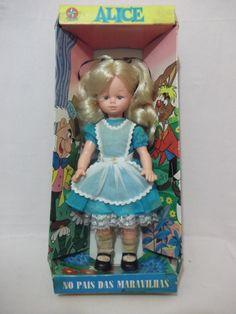 Boneca Alice No País Das Maravilhas Estrela Antiga Com Caixa - R$ 225,00 no MercadoLivre