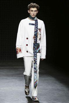 Xander Zhou Menswear Spring Summer 2016 London - NOWFASHION