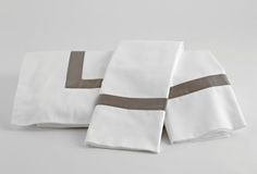 Darby sheeting - simple, modern, gorgeous.