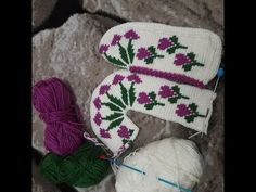 Gorgeous tunisian booties made of balloon hearts from start to finish. Time T, Tunisian Crochet, Crochet Slippers, Baby Knitting Patterns, Crochet Accessories, Baby Booties, Womens Slippers, Mittens, Ciabatta