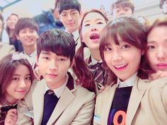 The cast of Cheer Up behind the scenes — so cute!