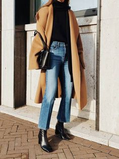 Mantel tragen, Casual Outfit Damen # Casual Outfits going out blouses Mantel Outfit Winter Fashion Outfits, Fall Winter Outfits, Look Fashion, Autumn Winter Fashion, Womens Fashion, Fall Fashion, Modern Fashion Outfits, 40s Fashion, Modest Fashion