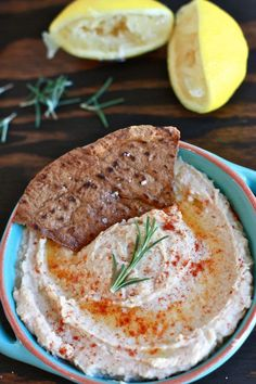 Have you ever made your own pita chips before? Jenna Weber of Eat, Live, Run shares her recipe for white bean dip and homemade pita. Pita Chips Recipe, Homemade Pita Chips, Low Carb Vegetarian Recipes, Snack Recipes, Snacks, Veggie Recipes, Healthy Recipes, White Bean Dip, White Beans