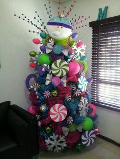 Peacock Christmas Tree, Luxury Christmas Tree, Creative Christmas Trees, Christmas Trees For Kids, Purple Christmas, Colorful Christmas Tree, Christmas Tree Toppers, Christmas Diy, Primitive Christmas