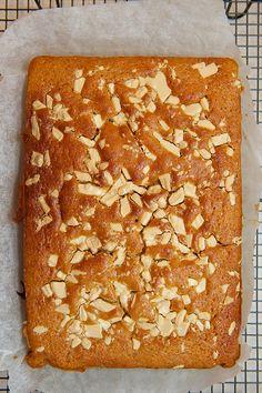 Caramac- Blondies and Brownies Caramac Cake, Caramac Cheesecake, Sweet Recipes, Cake Recipes, Blueberry Banana Bread, British Bake Off, Small Cake, Biscuit Recipe, Blondies