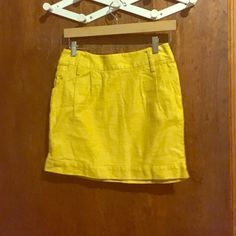Yellow pencil skirt Below the knee yet cute summer skirt Forever 21 Skirts Pencil