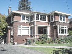 Built in 1909 in what is now Berkeley's Willard neighborhood, is one of the notable residential works of Clarence Casebolt Dakin a little-remembered, but very intriguing, Berkeley architect. It's an unusual design compared with many other local homes of the era. The roof has a very shallow pitch—making it barely visible from the sidewalk—and large, wide, windows give the two story house a low slung, horizontal, feel that's almost Prairie Style.