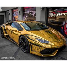 See why this gold lamborghini huracan is crea - https://www.stickercity.com/latest-projects/see-why-this-gold-lamborghini-huracan-is-crea