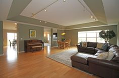 02_Great Room View 2_1992crenshaw_vernonhills_bayhill_townhome_greggslanding_kieronquanerealestate_atproperties