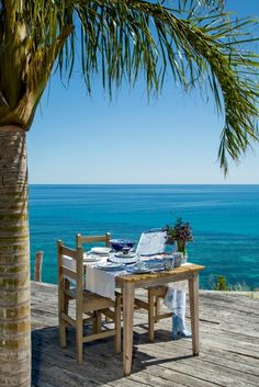Casa Faly Nosy Be Lunch Setting Table Decor Madagascar Nature Indian Ocean Setting Table, Table Settings, Wild Nature, Outdoor Furniture Sets, Outdoor Decor, Madagascar, Villa, Ocean, Lunch
