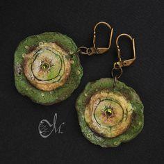Olive rimmed earrings