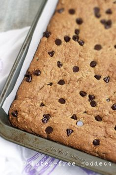 New Quinoa Bars Recipe - Blondie Style (quinoa flakes, almond flour, coconut oil...) with Dark Chocolate Chips