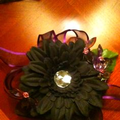 A corsage I made for my 5 year old daughter to wear to a Daddy Daughter Dance! Daddy Daughter Dance, School Fundraisers, Corsage, Cute, Kawaii