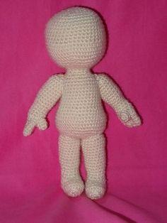 Step-by-step free pattern for an amigurumi doll unisex, English pattern. Schema passo-passo per una bambola amigurumi unisex. Schema in italiano.