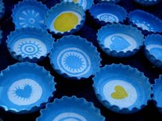 Estamos próximos a una de las fechas patrias más importantes que tiene la Argentina, es una linda oportunidad para sentarnos con los más pequeños y realizar esta inovadora propuesta.      (adsbygoogle = window.adsbygoogle || []).push({});   Materiales   Chapitas de … Sweet Girl Quotes, Fun Crafts, Diy And Crafts, Girl Scout Swap, Girl Scouts, Ideas Para Fiestas, Present Gift, Craft Party, School Projects