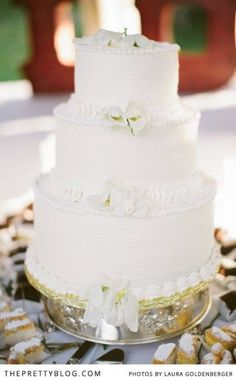 The perfect wedding cake | Photographer: Laura Goldenberger