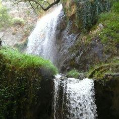 Saltos de agua de Los Bolos y Canal de Fuga, al sur de Granada: Un refrescante hidromasaje para estos días de mucho calor, además de unas sensaciones de aventura y libertad en el cauce del río Dúrcal, dentro del parque natural de Sierra Nevada, en el Valle de Lecrín.  Compartido por www.turismovalledelecrin.com