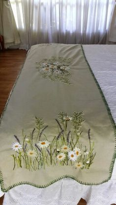 Pie de cama Bed Runner, Cushions, Pillows, Ribbon Embroidery, Embroidered Flowers, Linens, Needlework, Beds, Stitching