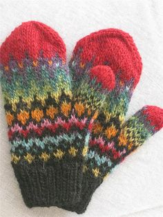 Ravelry: Handtak Mittens pattern by Védís Jónsdóttir Mittens Pattern, Knitted Gloves, Knitting Socks, Hand Knitting, Knitting Patterns, Vogue Knitting, Fingerless Mittens, Crafts, Colors