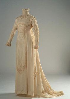 Day dress, 1909