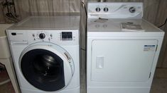 How to Remove Front-Load Washer Mildew Smell Deep Cleaning Tips, Cleaning Solutions, Cleaning Hacks, Cleaning Checklist, Washing Machine Smell, Washing Machines, Washer Smell, Stackable Washer And Dryer, Cleaning Painted Walls