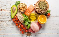 Postpartum Nutrition - The 8 Top Foods You Need To Eat After Birth Lower Heart Rate, Allergies Alimentaires, Nutrition Articles, Diet Supplements, Eat Smart, Sugar Cravings, Base Foods, Vegan Snacks, Natural Remedies