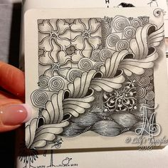 HAPPY NEW YEAR EVERYONE! #zentangle #art #abstract #inkart #doodle #design #draw #shading #lilymoon #lilystangles #floral #zendoodle #zentangleinspiration #zentangleart #zentangle #sketch #zentangleinspiredart