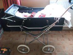 carrycot and transpoter Vintage Pram, Retro Vintage, Pram Stroller, Baby Strollers, Childhood Toys, Childhood Memories, Baby Transport, Prams And Pushchairs, Dolls Prams
