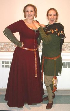 Tasha Kelly McGann and Mathilde Bourette all decked out in 14th c garb!