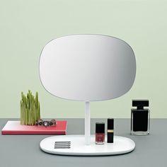 Norman Copenhagen Praktischer Spiegel mit integrierter Ablage