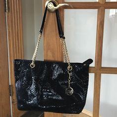 Micheal Kors  Beautiful bag Hardly used Michael Kors bag Perfect condition Michael Kors Bags Totes
