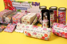 Stylové kosmetické a módní #doplňky v designu #BotanicalGardens