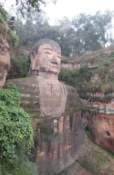 Leshan Great Buddha is located in Sichuan Province, China. It is the largest Buddha statue in the world and listed as UNESCO World Heritage Site. Mount Rushmore, Buddha, Mountains, China, Travel, Traveling, Viajes, Destinations, Trips