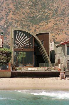 Nicolas Cage (Malibu, CA) Nicolas Cage's beachouse has lots of personality.